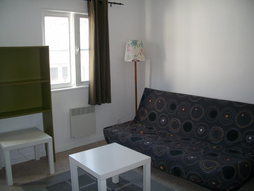 Joli duplex T2 tout confort dans le centre historique et piétonnier de Bayonne.